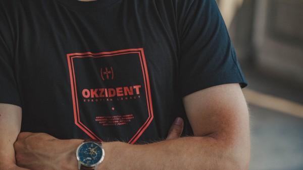 Herrenshirt: Okzident